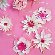 Arts And Crafts Homes Code: 5155468194 Flower Garland Wedding, Paper Flower Garlands, Paper Flower Decor, Large Paper Flowers, Paper Flower Backdrop, Giant Paper Flowers, Small Flowers, Flower Crafts, Diy Flowers