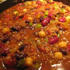 Best Vegetarian Chili - this is really tasty and made a ton!