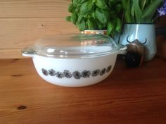 Hey, I found this really awesome Etsy listing at https://www.etsy.com/listing/270211127/rare-collectable-jaj-pyrex-daisy-on
