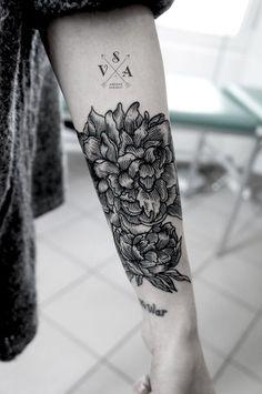 """El trazo de los tatuajes que hace Andrey Svetov sigue sorprendiéndonos día a día, como si """"dibujar"""" sobre la piel coneste nivel de detalle fuera la cosa más sencilla del mundo.                         …"""
