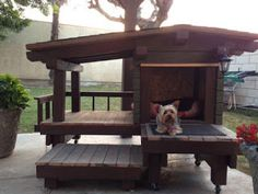 A Dog House Made From Pallets      -   #pallets    #diy