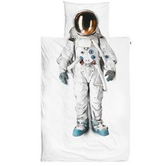 Got a kid whose dream is to be an astronaut one day? Make their dream come true sooner with this bedding set. The duvet cover features a photograph of a real astronaut suit that comes from the Spac… Duvet Sets, Duvet Cover Sets, Cover Pillow, Quilt Cover, Bed Covers, Astronaut Suit, Percale De Coton, Single Duvet Cover, Childrens Beds