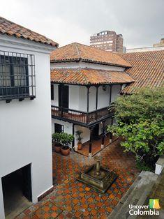 Uno de los patios interiores del Museo Botero