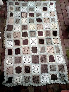 LOVE this afghan, here is the pattern... http://www.garnstudio.com/lang/en/visoppskrift.php?d_nr=124&d_id=1&lang=us