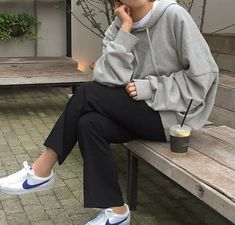 Korean Fashion Tips .Korean Fashion Tips Uni Outfits, Chill Outfits, Cute Casual Outfits, Mode Outfits, Korean Outfits, Winter Outfits, Fashion Outfits, Fashion Trends, Normcore Fashion