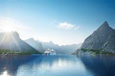 AIDA Cruises feiert Geburtstag: Vor genau 20 Jahren, am 7. Juni 1996, wurde das erste Schiff der AIDA Flotte von Ex-Bundespräsidenten-Gattin Christiane Herzog in Rostock getauft und in Dienst geste…