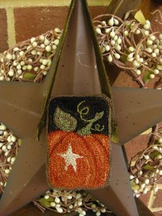 Primitive-Punch-Needle-Fall-Pumpkin-Folk-Art-Cupboard-Hanger-Pinkeep