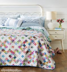 Garden Pathways from Quilt Sampler Spring/Summer 2018 magazine Utilize precut strips to make an impressive bed-size quilt that mirrors the look of lattice. Designer: Jessica Weirich for One Quilt Place. Patch Quilt, Quilt Blocks, Diy Design, History Of Quilting, Quilt Bedding, Bed Quilts, Bedding Sets, Scrappy Quilts, Make Your Bed
