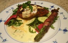Kylling med cheddar og jalapenossaus med asparges i sovepose Kyllingfileter : mengde etter eget ...