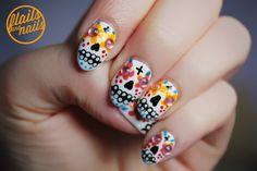 Ideias de unhas para o Halloween   Caveira mexicana