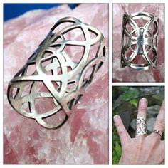 """Zilveren ring """"oneindigheid""""."""