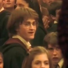 Harry James Potter, Young Harry Potter, Estilo Harry Potter, Harry Potter Feels, Mundo Harry Potter, Harry Potter Tumblr, Harry Potter Jokes, Harry Potter Pictures, Harry Potter Universal