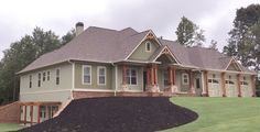 """<ul><li><strong>MORE PHOTOS</strong>: See more photos in our Google+ <a href=""""http://bit.ly/24364tw-g"""">photo album</a>.</li><li>From the beautiful roof lines to the gorgeous ceiling treatments and built-ins, this Craftsman house plan is truly top-of-the-line quality.</li><li>Interior columns are used to preserve the sightlines between the great room and the kitchen/nook area.<..."""