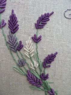Hand Embroidery Patterns all types of hand embroidery stitches Flower Embroidery Designs, Hand Embroidery Stitches, Silk Ribbon Embroidery, Crewel Embroidery, Embroidery Techniques, Cross Stitch Embroidery, Embroidery Ideas, Embroidery Needles, Simple Embroidery
