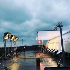 @filmlights -⚡Film Lighting⚡(@filmlights) • Instagram 사진 및 동영상 Light Cinema, Light Film, Cinematic Photography, Experimental Photography, Lighting Setups, Studio Lighting, Light Photography, Color Photography, Cinematic Lighting