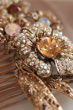 @}-,-;-- beautiful hair comb for the bride
