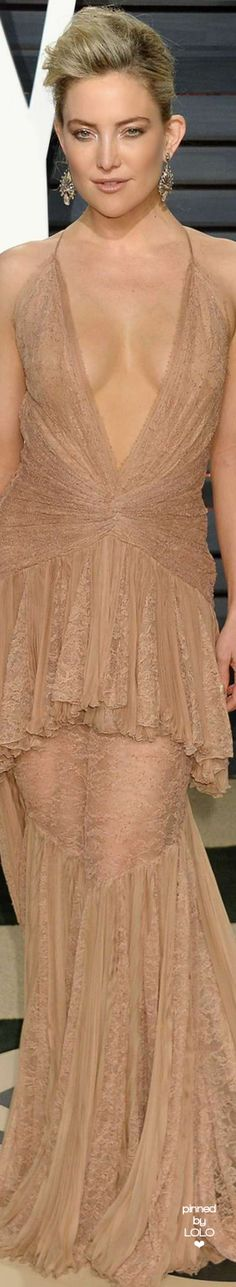 Kate Hudson attends 2017 Vanity Fair Oscar Party