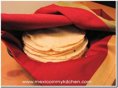 Homemade corn tortillas. Would love try this for enchiladas or something.  ~Mexico in My Kitchen  http://www.mexicoinmykitchen.com/
