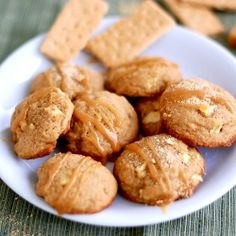 Caramel Apple Cookies : The ultimate fall baking treat! Made with graham crackers.