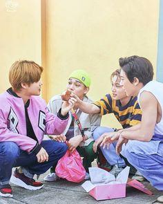 Suho, Chen, Kai, Chanyeol - 190915 Fourth official photobook 'PRESENT ; the moment' Credit: Glitter Baek. Baekhyun, Park Chanyeol, Exo For Life, Exo Group, Exo Lockscreen, Xiuchen, Kim Jongdae, Fandom, Exo Ot12
