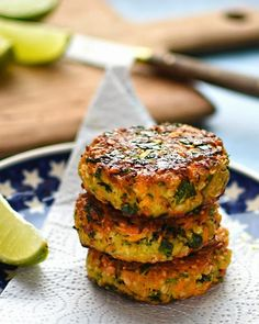 vegetarian carrot cashew and coriander fritters Vegetarian Recipes Easy, Vegetarian Cooking, Vegetable Recipes, Cooking Recipes, Healthy Recipes, Vegetarian Dinners, Vegetarian Burgers, Gf Recipes, Kitchens