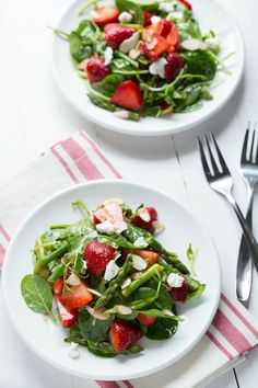 Strawberry Spinach and Asparagus Salad - Spoonful of Flav
