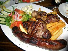 The South African food scene offers a fascinating variety of delicious dishes. Join us on an exciting South Africa food safari. South African Braai, South African Dishes, South African Recipes, Africa Recipes, Braai Recipes, Side Dish Recipes, Cooking Recipes, Cooking Ideas, Zimbabwe Food
