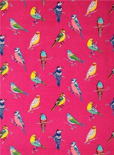 Tissu par Etsuko Furuya importé du Japon avec des oiseaux multicolores sur des branchettes