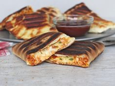 Share Tweet + 1 Mail Get your grill on with these awesome grilled calzones that are filled with barbeque chicken and lots of melting ...