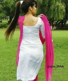 Beautiful Bollywood Actress, Beautiful Actresses, Punjabi Suits Party Wear, Patiala Suit Designs, Indian Actress Images, Desi Models, Punjabi Dress, Plain Saree, Beauty Full Girl