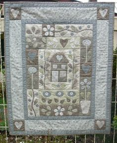 Amberley - by Gail Pan Designs - Quilt Pattern - Click Image to Close Quilting Tutorials, Quilting Projects, Sewing Projects, Quilting Ideas, Crazy Patchwork, Patchwork Bags, Patchwork Quilting, Quilted Wall Hangings, Hanging Quilts