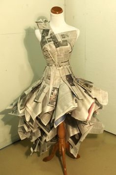 Newspaper Dress by Katie Mamula Recycled Costumes, Recycled Dress, Recycled Clothing, Recycled Cans, Diy Dress, Dress Up, Paper Clothes, Paper Dresses, Costume Carnaval