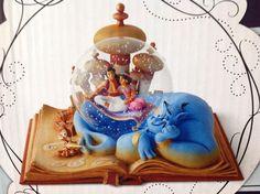 Disney Hallmark Wonder Within Aladdin & Jasmine A WHOLE NEW WORLD Snowglobe