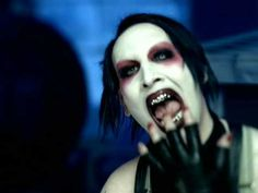 Marilyn Manson - This Is The New Shit - Marilyn Manson - This Is The New Shit - I will always think there is something sexy about this man. His creepiness gets a big plus from me... but not with any of his new stuff... it all sucks. To bad this is edited.