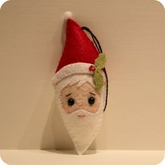 DIY Felt Santa Claus Felt Ornament - FREE Sewing Pattern and Step-by-Step Tutorial