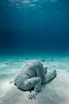 Banker - Underwater Sculpture by Jason deCaires Taylor