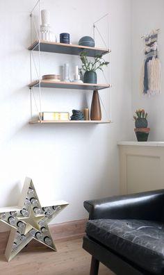 Kwikshop hylder fra Areastore Cool Office, Room Organization, Offices, Floating Shelves, Plays, Room Decor, Interior Design, Mirror, Antiques