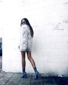 Love the minimal + fur