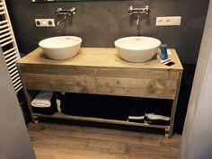 Badkamermeubel van steigerhout met 2 lades en schap (51220131130) | Badkamermeubels | JORG`S Houten Meubelen