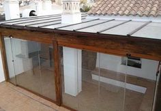 Resultado de imagem para pergolas de madera y policarbonato There are lots of stuff that Wooden Pergola, Pergola Patio, Small Pergola, Pergola Ideas, Planter Beds, Timber Roof, Aesthetic Design, Real Wood, Easy Diy Projects