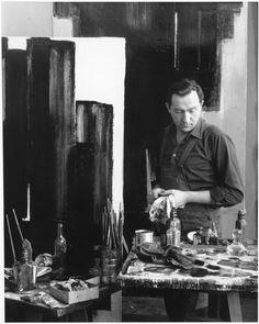 Pierre Soulages dans son atelier 1954  Denise Colomb