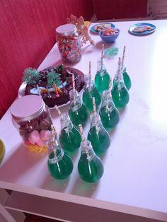 """A la demande générale, voici un petit post spécial """"anniversaire de nains"""" afin de vous aider en matière de Magnifaïque Anniversaire qui ne ... Invitations, Birthday, Party, Princesses, Scavenger Hunt Games, Fiesta Party, Princess, Save The Date Invitations, Birthdays"""