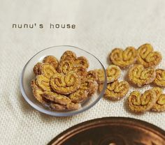 Palmiers by Nunu's House. Man, her work is just mind blowing. Wish I could make miniatures as well as her! :)