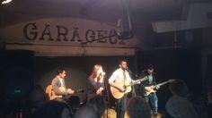 Aneta Dolezal & Band beim baustellen-auftakt Garage, Band, Concert, Drive Way, Ribbon, Recital, Bands, Concerts, Garages