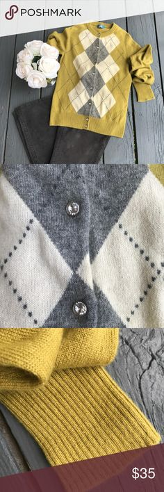 J. Crew 100% cashmere cardigan Excellent condition. Size s Sweater will be delivered gently steamed and beautifully wrapped in tissue Bundle & save! 15 off off 3 or more items J. Crew Sweaters Cardigans