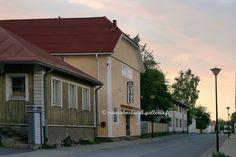 Raahe. Northern Ostrobothnia - Pohjois-Pohjanmaa - Norra Österbotten Finland, Garage Doors, Culture, Mansions, House Styles, Outdoor Decor, Life, Design, Home Decor
