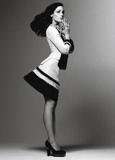 Jennifer Garner Photograph by Craig McDean; W magazine January 2010 Fashion Photography Poses, Fashion Photography Inspiration, Style Inspiration, Celebrity Photography, Photography Editing, Celebrity Photos, Fashion Shoot, Editorial Fashion, Timothy Green