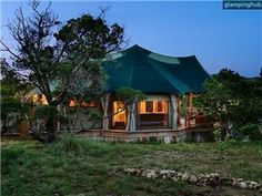 Romatic luxury tents Texas Hill Country | great for quick n cheap honey moon