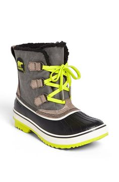 neon sorels... be still my heart!