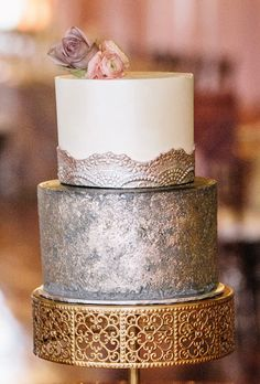 Brides: Silver-and-White Antique-Inspired Cake. A two-tiered wedding cake with a silver bottom layer and antique silver accents, from The Cake Hag. Antique gold Cake Stand created by Opulent Treasures Metallic Cake, Metallic Wedding Cakes, Gold Cake, Metallic Gold, Beautiful Wedding Cakes, Beautiful Cakes, Amazing Cakes, Wedding Cake Prices, Wedding Cake Designs